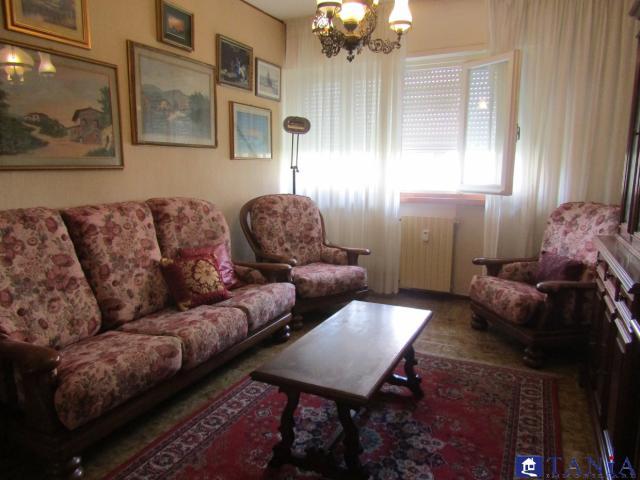 Case - Appartamento di grandi dimensioni ad avenza rif 3402