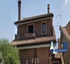 Immobili-immobile residenziale - via torvajanica alta n. 11/b