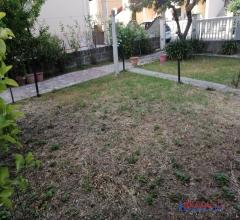 Rosignano solvay appartamento indipendente con ampio giardino e garage