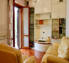 Ampio appartamento in villa con giardino a cornaredo