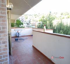 Ristrutturato appartamento con ampi spazi esterni e giardino zona minissale