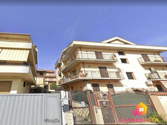 Case - Abitazione di tipo civile - via pratolungo casilino n. 29 - 00132