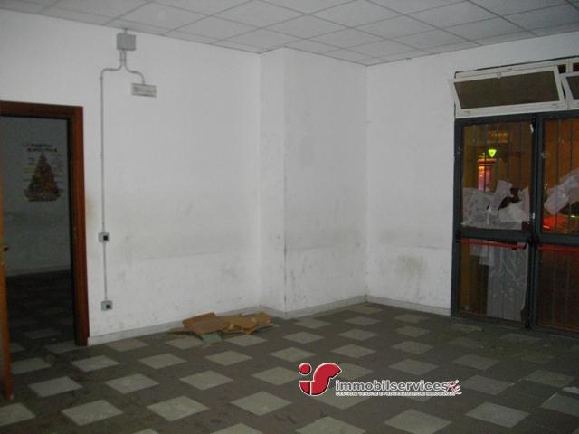 Case - Palermo locale commerciale zona c.so tukory