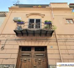 Carini: appartamento su 2 livelli con terrazzo
