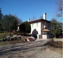 Villa con ampio giardino e piscina - via viii armata 15, nervesa della battaglia (tv)