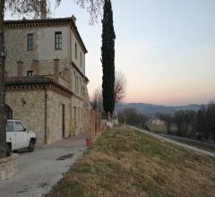 Casale nelle colline di todi