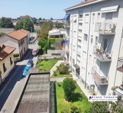 Ospitaletto tre locali con cucinotto con due balconi