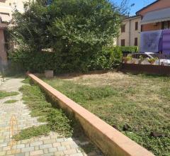 Case - Appartamento piano terra con giardino