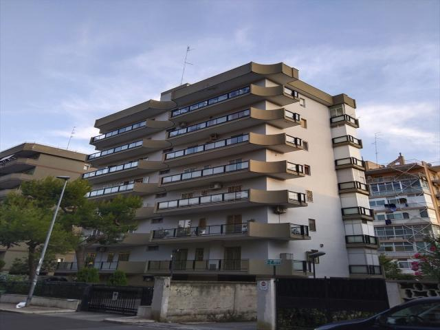 Appartamenti in Vendita - Attico in vendita/locazione a bari poggiofranco