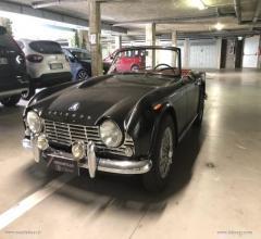 Auto - Triumph tr4