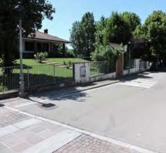 Villa - via giacomo matteotti 19