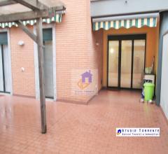Case - Tre locali doppi servizi con terrazzo