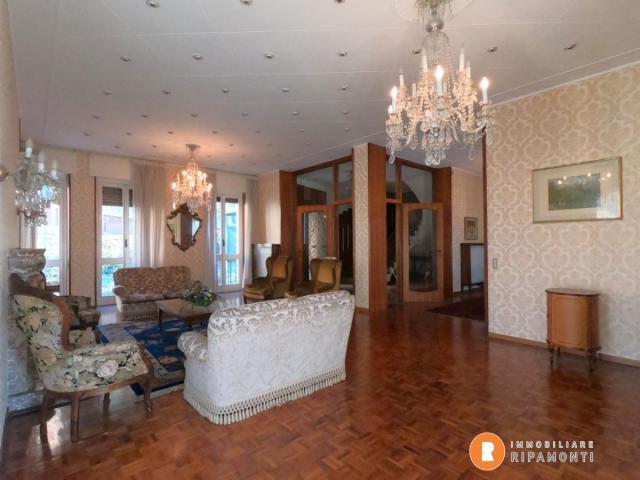 Case - Villa singola in vendita a lecco.