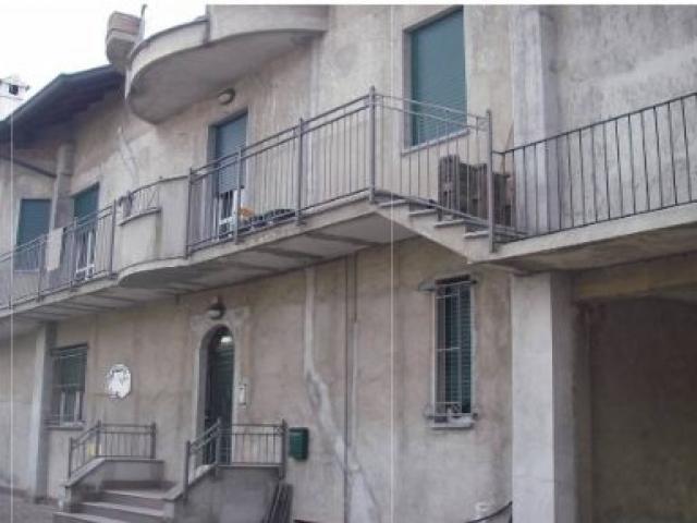 Case - Appartamento - via ugo foscolo 20