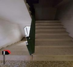 Case - Tonezza: casetta di testa completamente indipendente con ampio giardino e garage