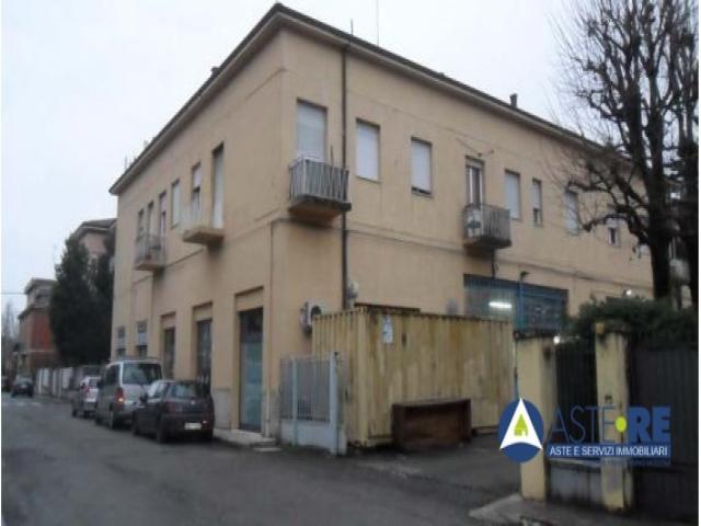 Case - Appartamento al p.2 in via baracchi n.25 ang. via agnini, modena - lotto 5
