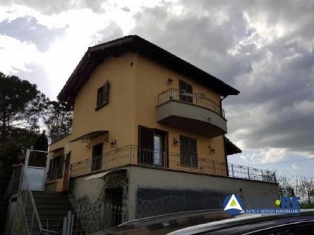 Case - Villetta a schiera - via francesca sud