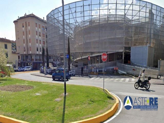 Case - Posto auto - piazza alberti n.45/46