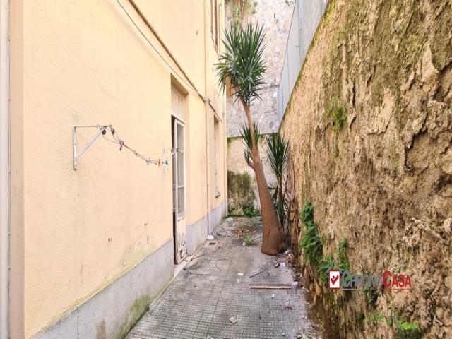Case - Pentavani con giardino zona centrale