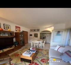 Case - Vendesi appartamento indipendente  nel  borgo degli ulivi arbatax