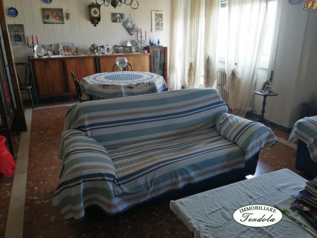 Case - Appartamento piano 6 ed ultimo avenza