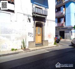 Locale commerciale di 36 mq, fronte strada, in affitto a ponticelli, zona centrale