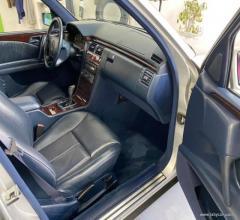 Auto - Mercedes-benz elegance