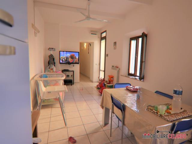 Case - Appartamento in zona centrale con ampia terrazza
