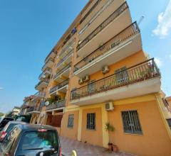 Ampio appartamento di 120mq in affitto ad acerra centro, con posto auto e balcone terrazzato