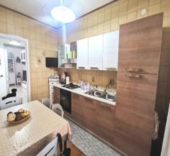 Ampio appartamento di 90mq in affitto a ponticelli, rione incis, con posto auto e cantina
