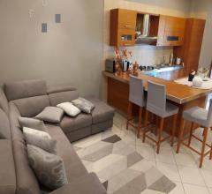 Ampio appartamento ristrutturato in vendita a tavernanova, con ascensore, posto auto e cantina