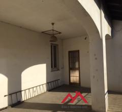 Trilocale attico con terrazzo e box auto
