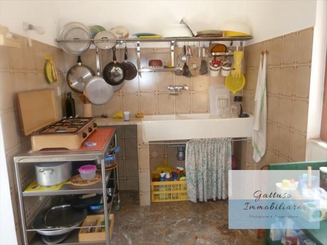Appartamenti in Vendita - Casa indipendente in vendita a nicotera periferia