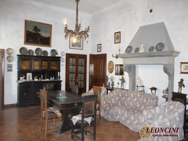 P113 villa nobiliare
