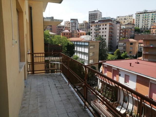 Appartamento in vendita a chieti clinica spatocco / ex pediatrico