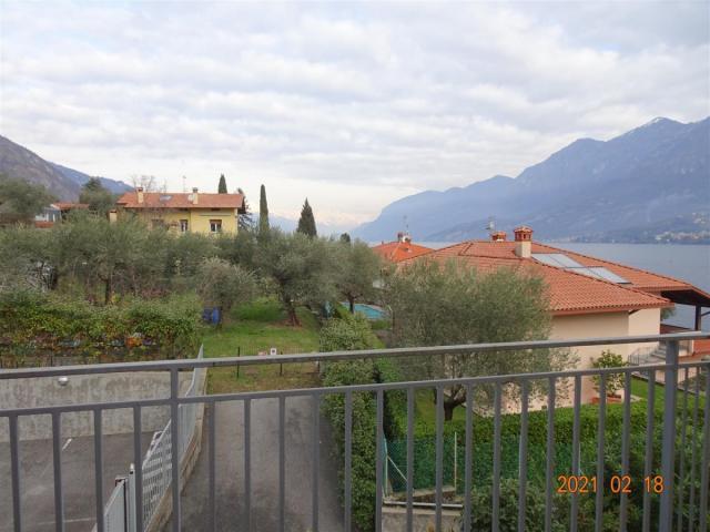 Trilocale in vendita ad oliveto lario.