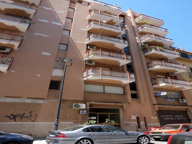 Case - Palermo ufficio zona malaspina