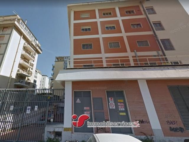 Case - Palermo intero edificio industriale zona fiera del mediterraneo