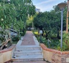 Residenziale - vendita porzione di villa indipendente (città giardino/ugo la malfa)