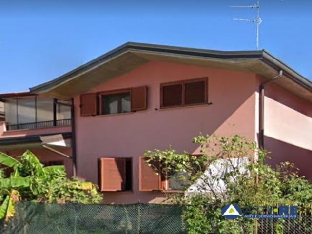 Villino - via palermo 37 - Lombardia - Case